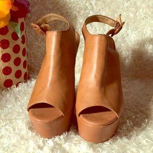"""💕7.5"""" high heels 💕"""